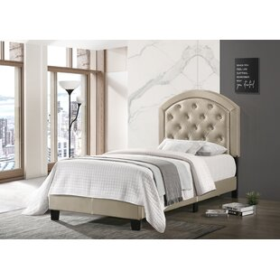 Manhasset Tufted Upholstered Platform Bed