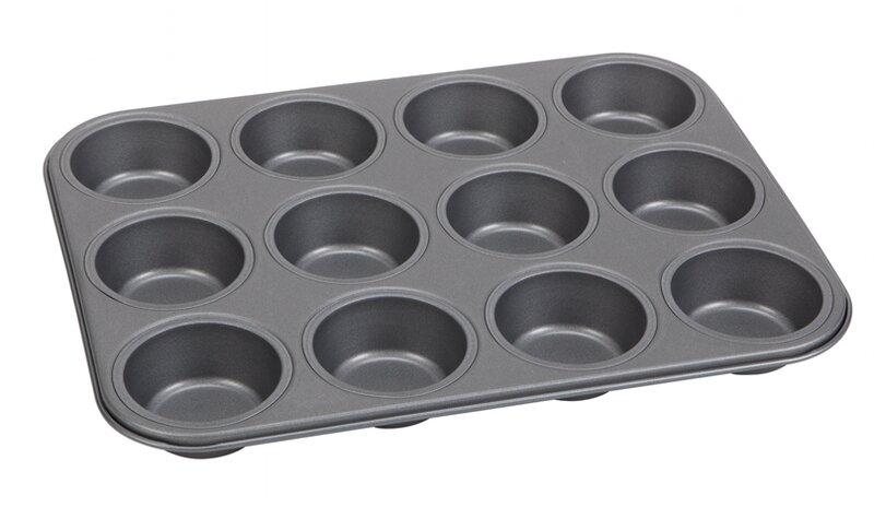 说一个我的低配版葡式蛋挞的做法,超市可以买齐所有配料,天天在家吃蛋挞