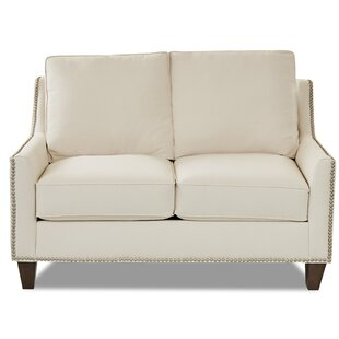 Carlee Loveseat