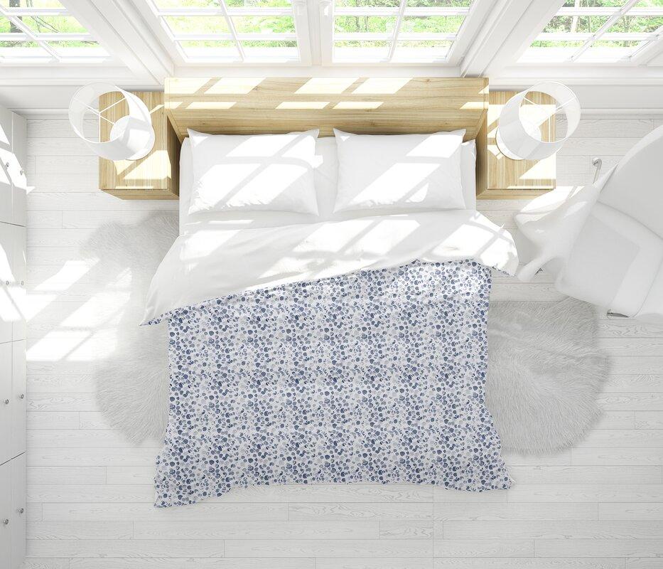 Dakota Fields Hodgin Lightweight Comforter Set