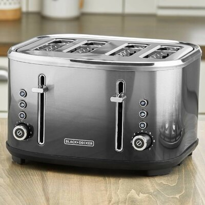 4 Slice Toaster Black + Decker