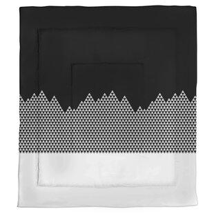 Avicia Mountain Single Reversible Comforter by Latitude Run