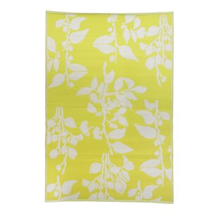 Premier Home Hand-Woven Yellow/White Indoor/Outdoor Area Rug