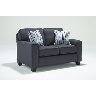 Kaylin Loveseat