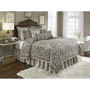 Redmon 4 Piece Comforter Set