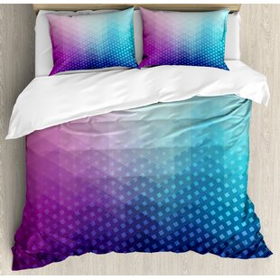 East Urban Home Gradient Background with Little Geometric Fractal Triangle Figures Graphic Duvet Set