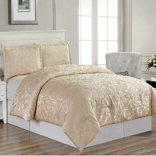 Borders Soft Comforter Set