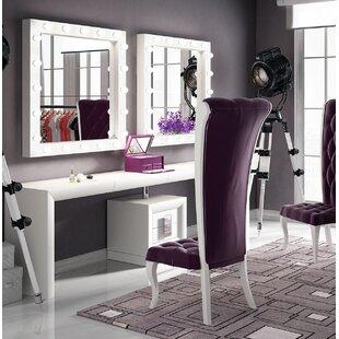 Everly Quinn Kirkwood Bedroom Makeup Vanity Set with Mirror