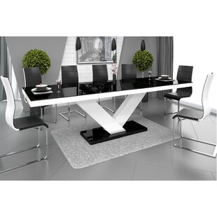 Wade Logan Thurmont Extendable Dining Table