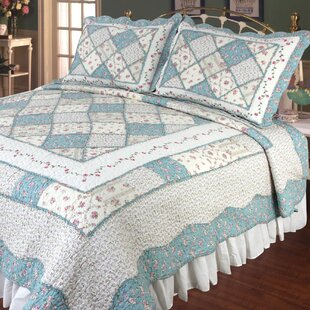August Grove Calton Beige & Blue Quilt