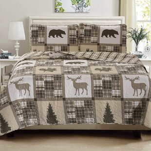 Vecchio Printed Reversible Quilt Set