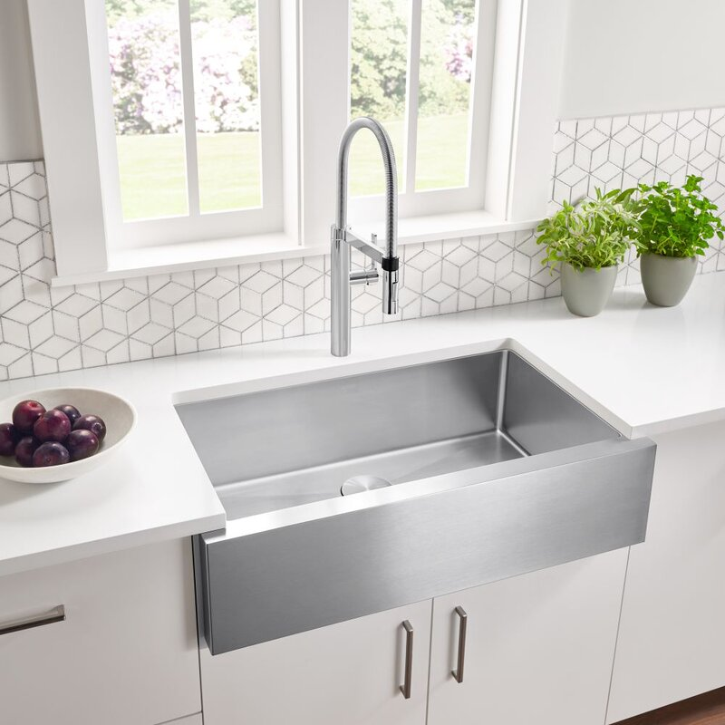 Blanco Quatrus R15 32 L x 19 W Farmhouse/Apron Kitchen Sink