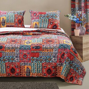 Saxton Reversible Quilt Set