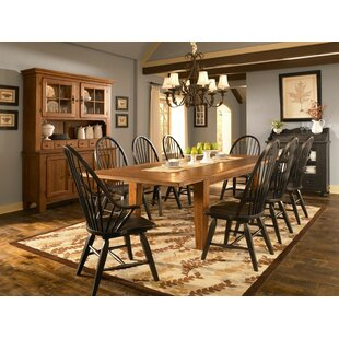 Broyhill® Attic Heirlooms 9 Piece Extendable Dining Set