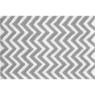 Hand-Hooked Gray Indoor/Outdoor Area Rug