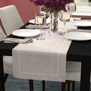 Villa Chic Pleated Design Table Runner