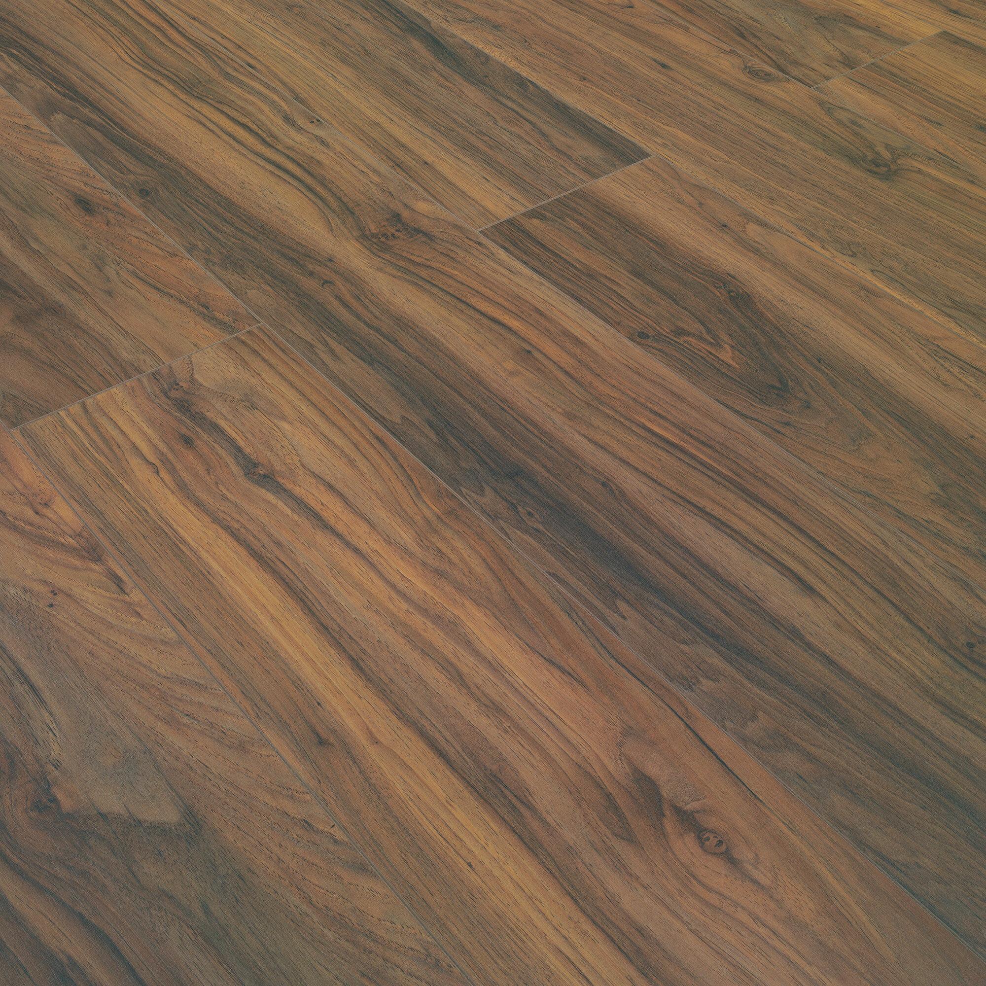 X 12mm Pine Laminate Flooring
