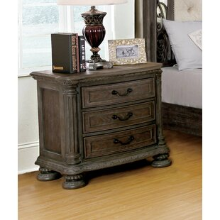 Portsmouth Traditional 3 Drawer Nightstand