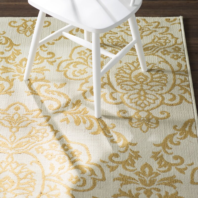 Charlton Home Carriage Hill Ivory/Gold Indoor/Outdoor Area Rug ...