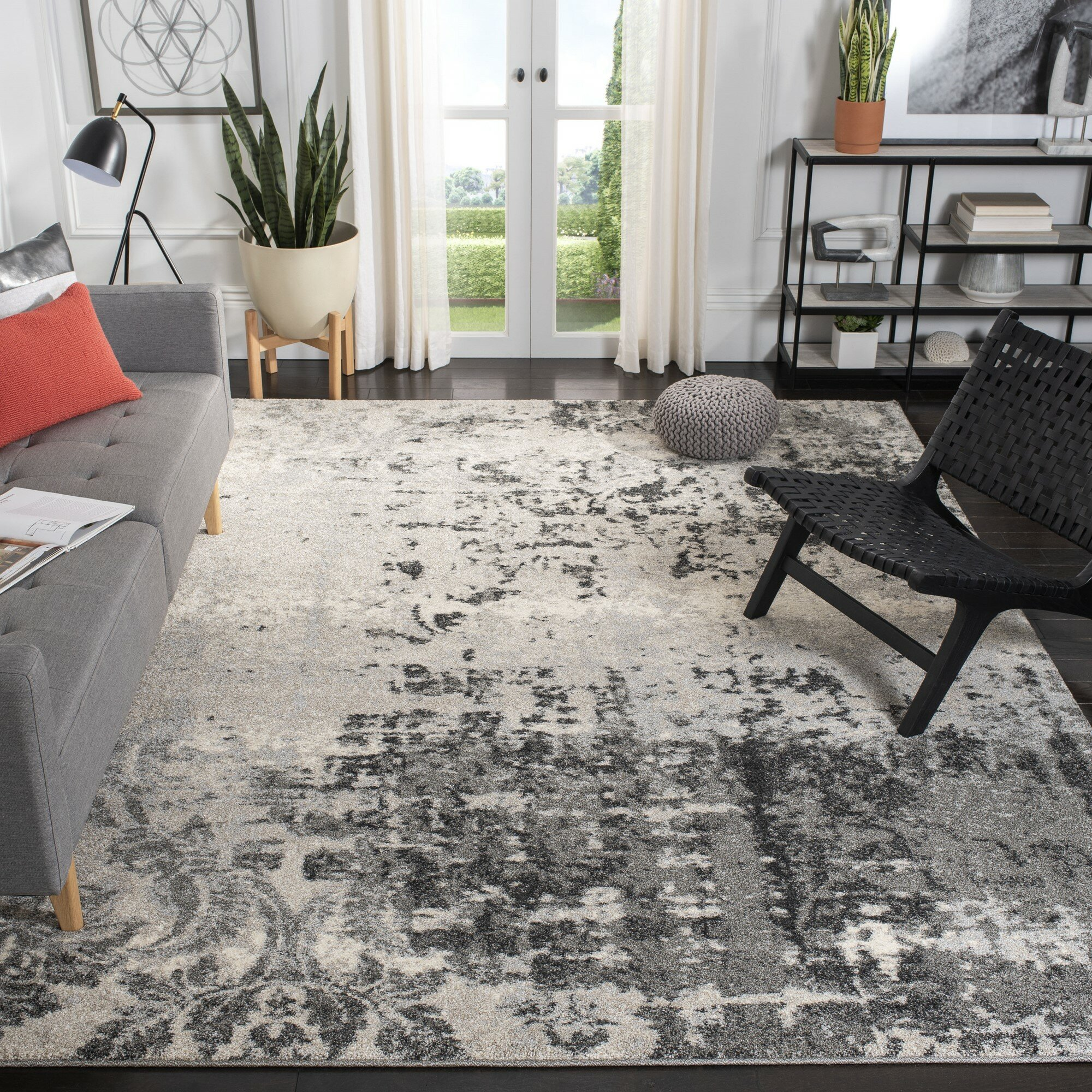 Wade Logan Argus Grey Area Rug