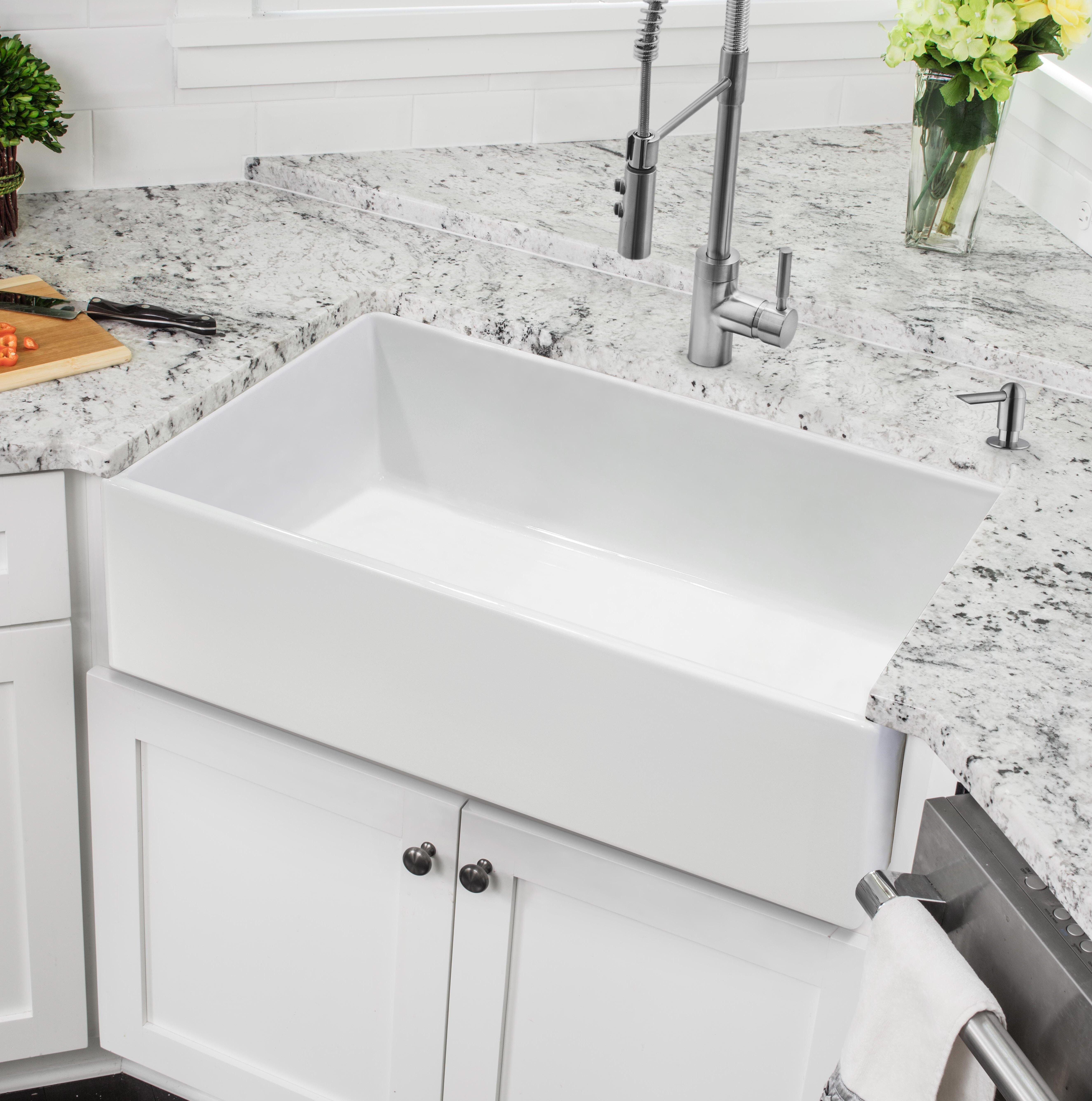 White Farmhouse Kitchen Sink Feature: GKFA361810CD ...