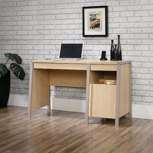 Latitude Run Veloz Desk