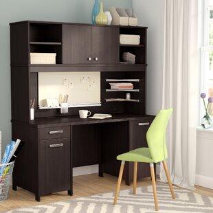 Benter Desk With Hutch