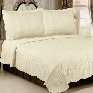 Glendale Heights Waves Quilt Set