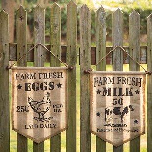 Handcrafted Cow/Hen Burlap Farm Fresh 2 Piece Garden Sign Set by Glitzhome