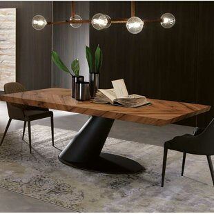 Taurus Dining Table by YumanMod