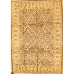 Ferehan Traditional Lamb's Wool Area Rug