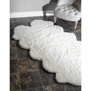 Reviews Bigby Hand-Tufted Faux Sheepskin White Area Rug ByMercury Row