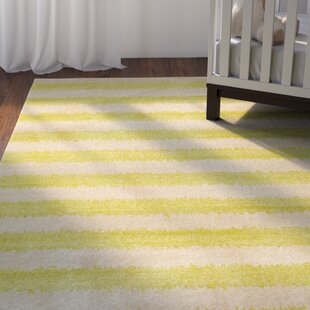 Inexpensive Travis Traditional Green/Beige Area Rug By Viv + Rae