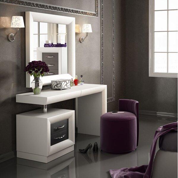 wayfair everly quinn kirkwood bedroom makeup vanity set with mirror rh wayfair com