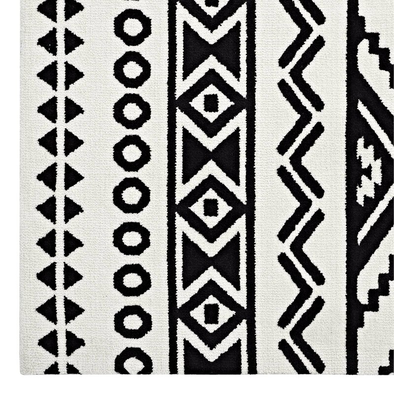 Greatest Ivy Bronx Shaun Geometric Moroccan Tribal Black/White Area Rug  HS28
