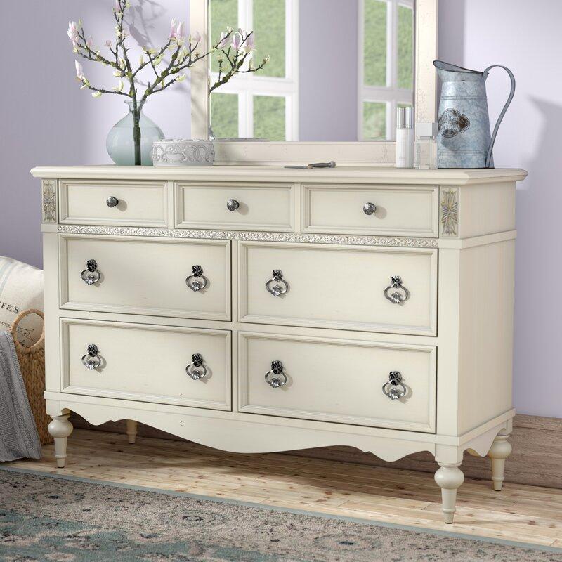Lark Manor Avila 7 Drawer Dresser