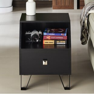 Merriwood Contemporary End Table by Ivy Bronx