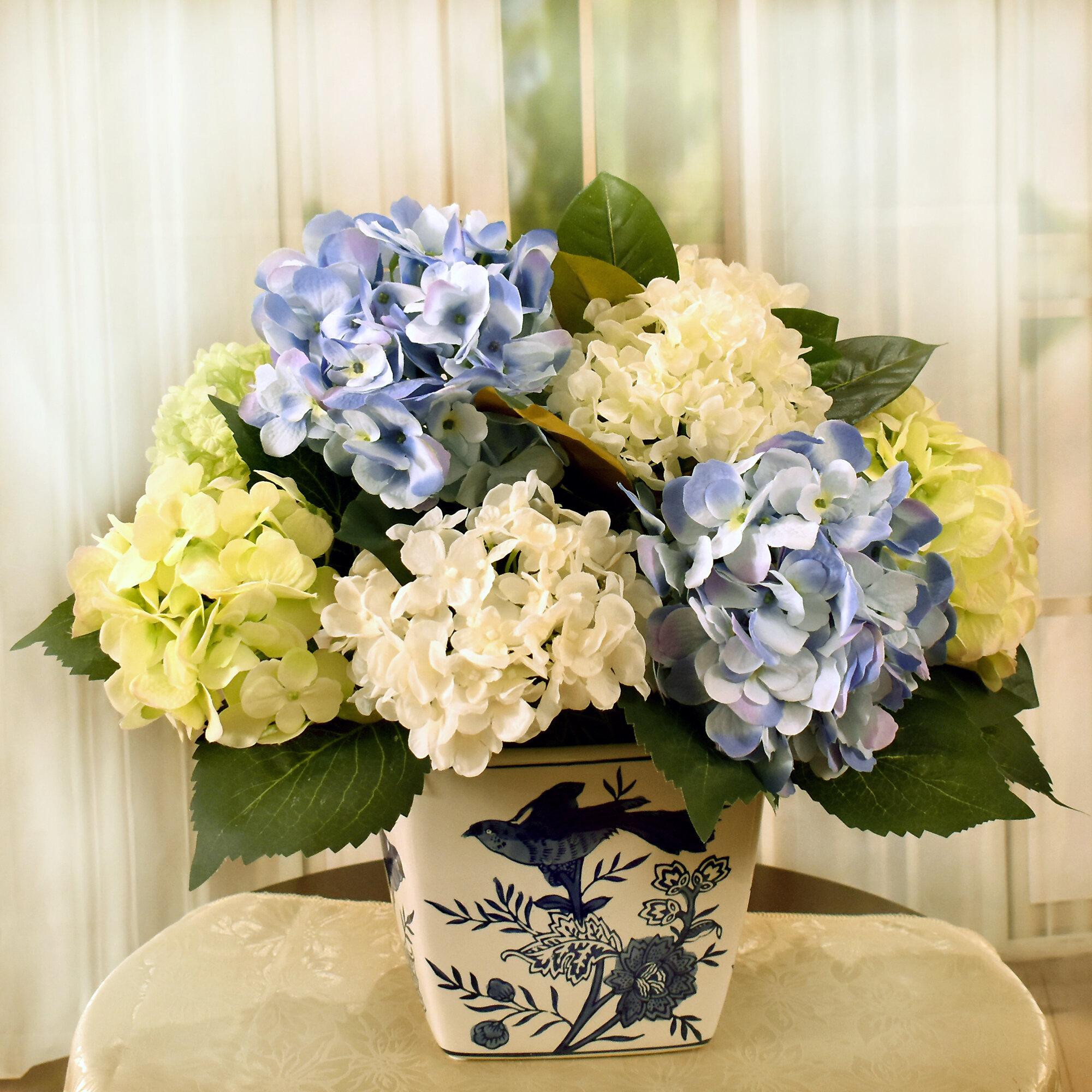 Rosalind Wheeler Hydrangea And Magnolia Centerpieces In Vase Wayfair