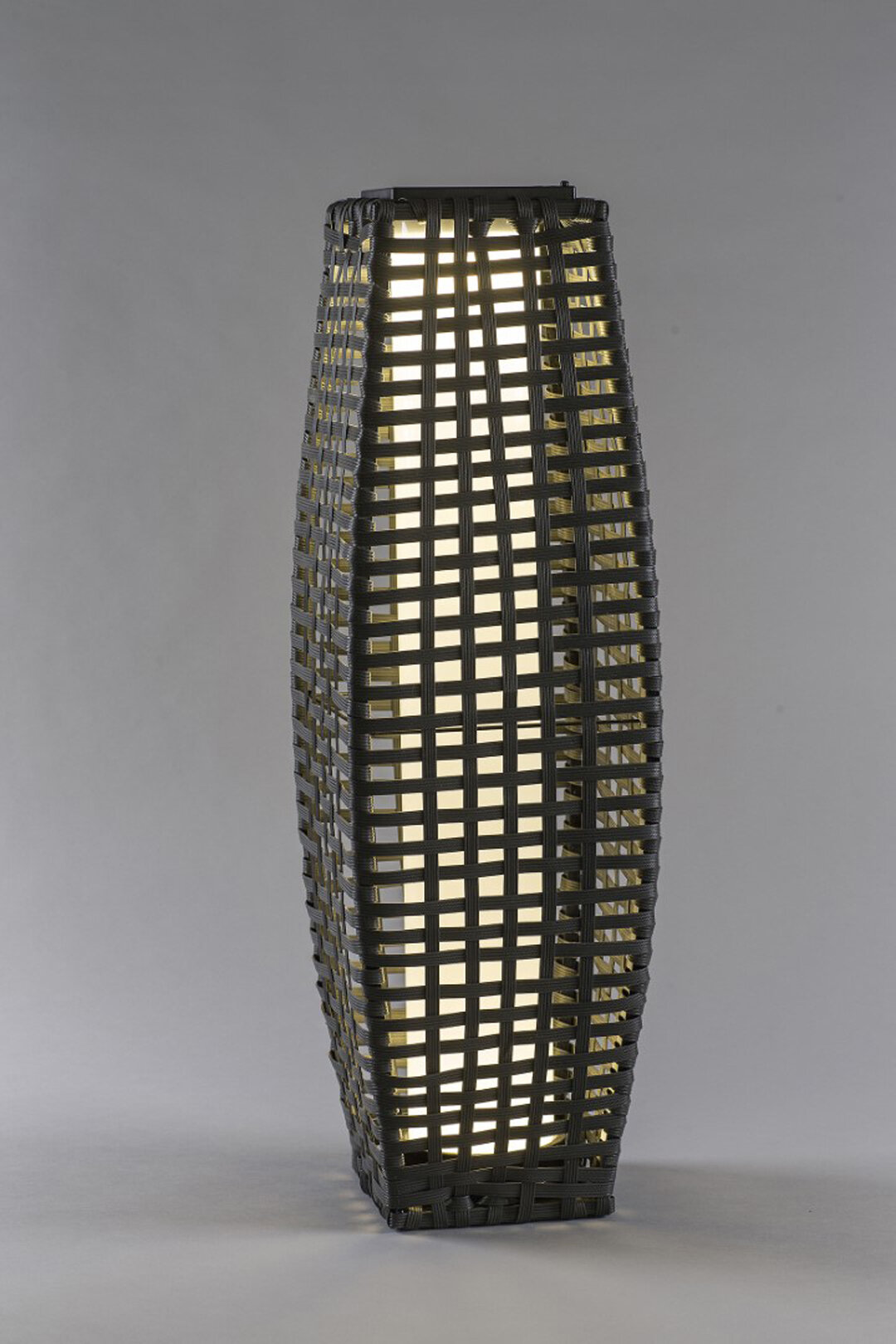 Sol 72 Outdoor Kajus 68 5cm Solar Powered Integrated Led Outdoor Floor Lamp Wayfair Co Uk
