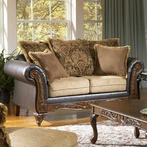 San Antonio Loveseat by Roundhill Furniture