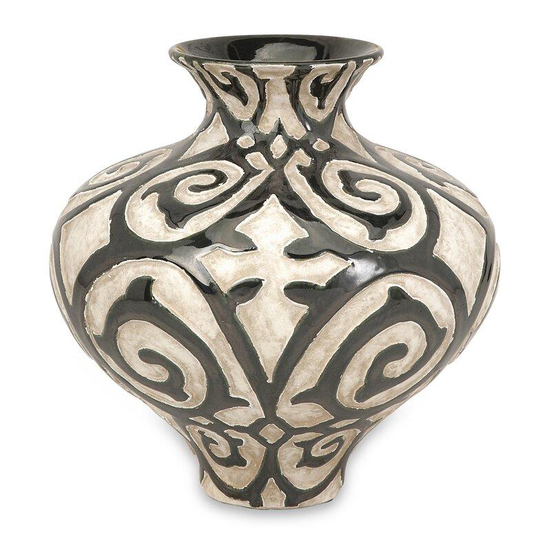 Manjiri Short Table Vase
