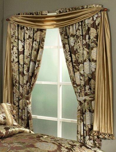 Wonderland Window Floral/Flower Rod Pocket Curtain Panels (Set of 2)