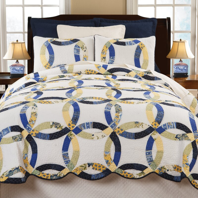 Coury Wedding Reversible Quilt Set