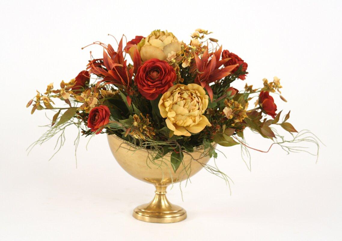 Mixed centerpiece in Decorative Vase
