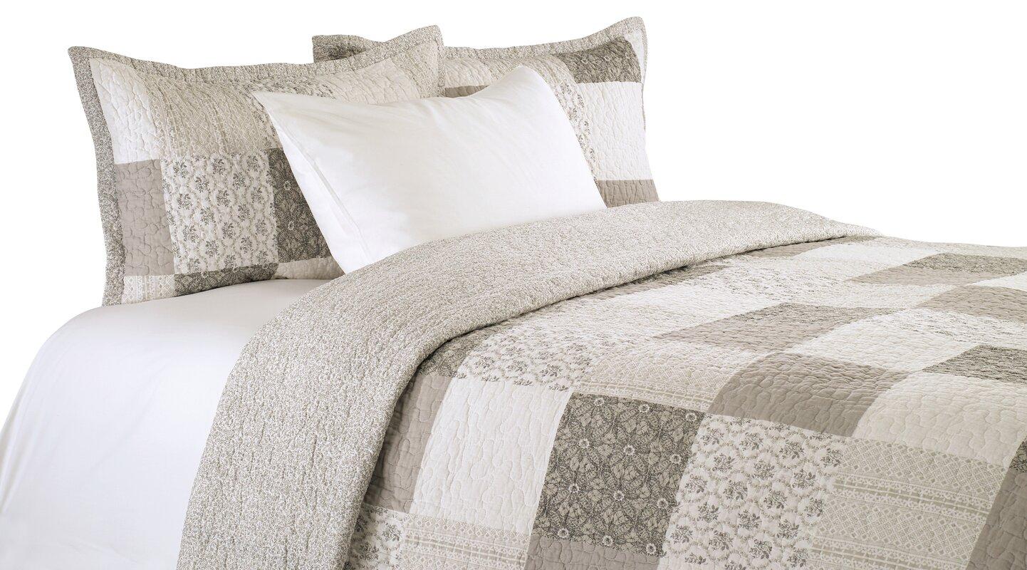 Maya Cotton Reversible Quilt Set