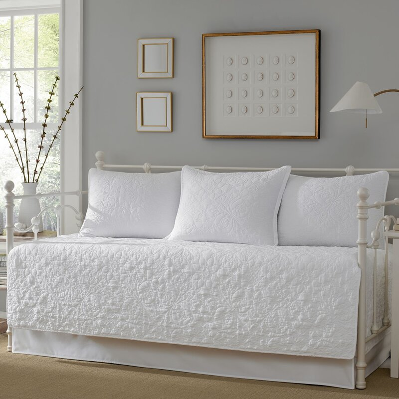 Swinburn 5 Piece Quilt Set