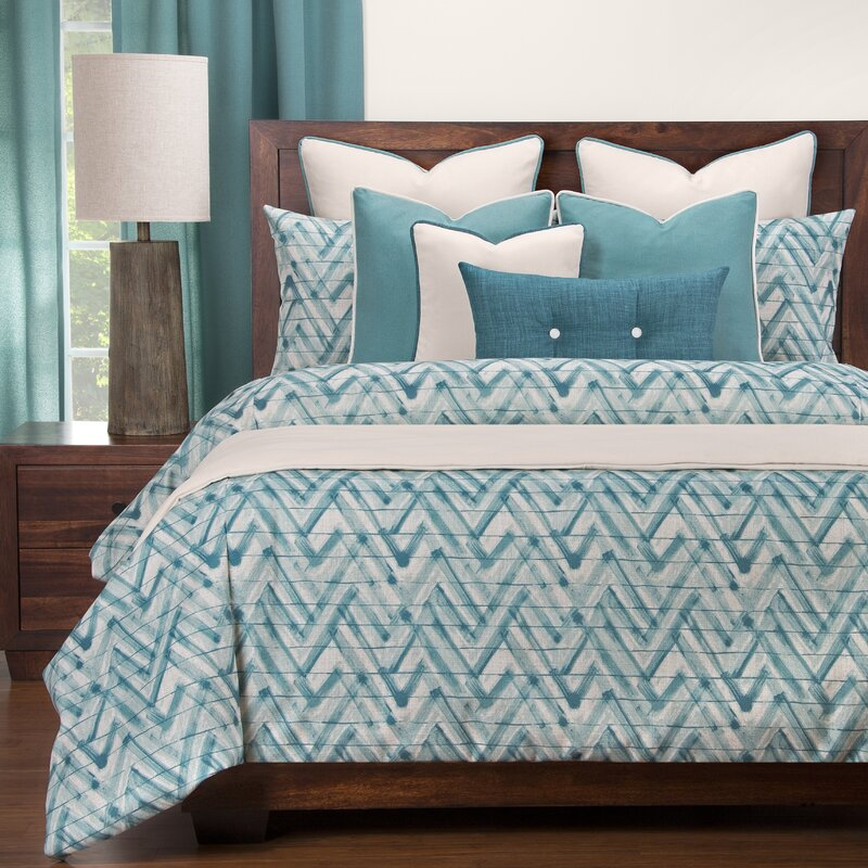 Wolf's Ridge Luxury Duvet Cover Set