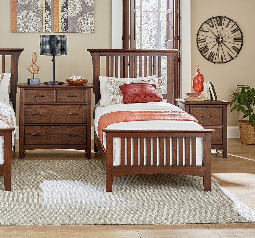 Zussen Twin Panel 3 Piece Bedroom Set