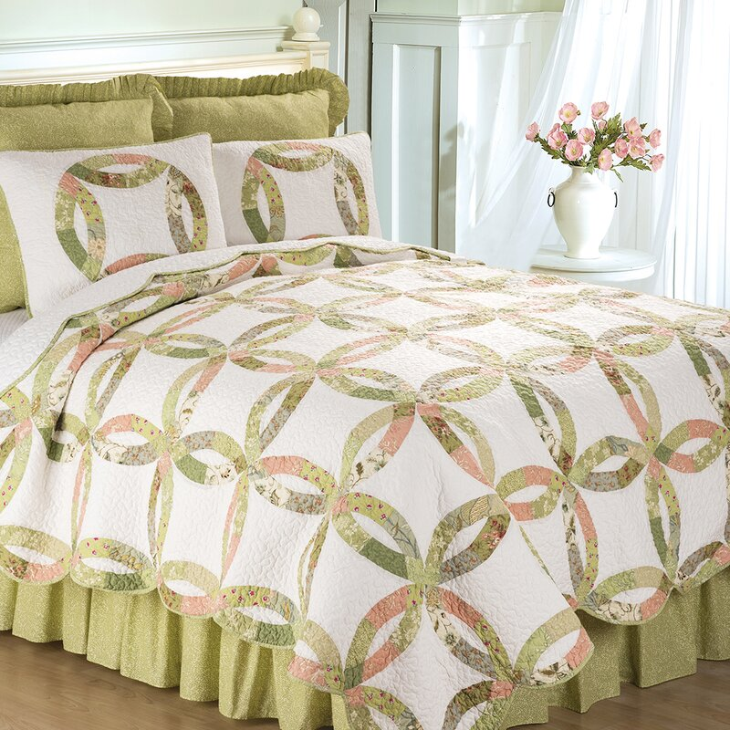 Alysa Reversible Quilt Set