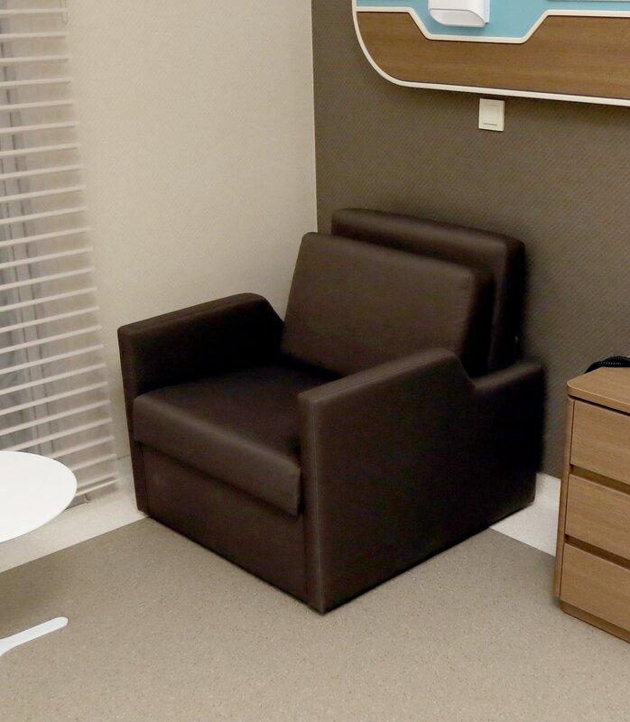 Mina Convertible Chair